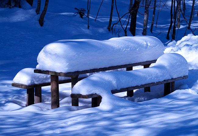 Verschneiter Rastplatz