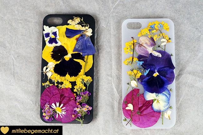Blumen auf der Hülle anordnen