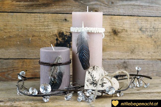 Kerzen mit Federdeko