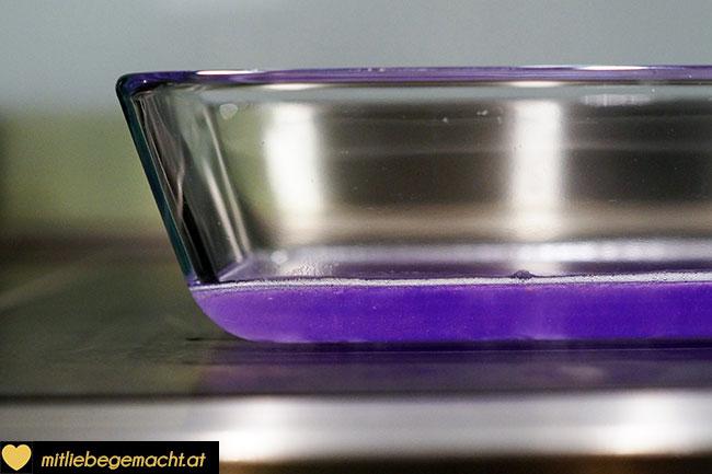 Seife in Form gießen