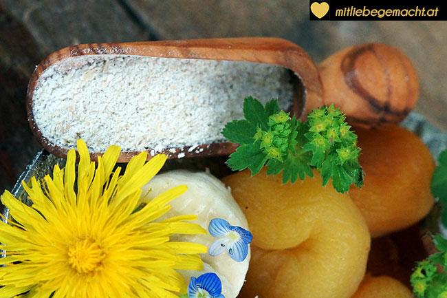 Kräuter und Früchte für die Pralinen