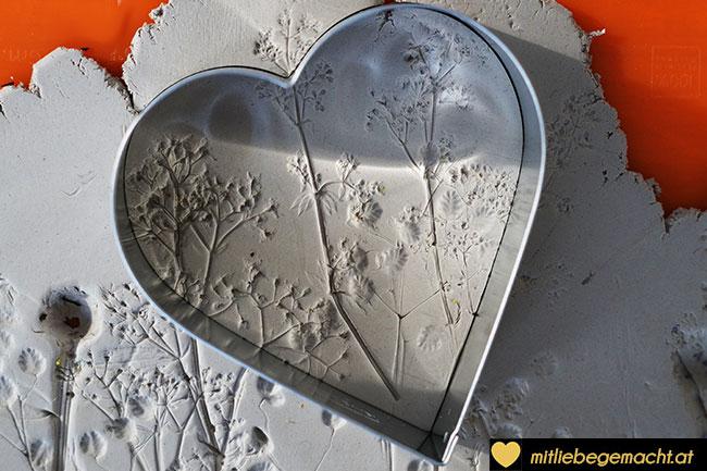 Herzen ausstechen