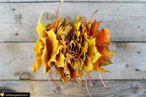 Blätter auffädeln