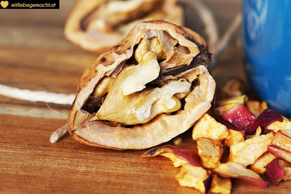 Nüsse & Äpfel - eine perfekte Kombi