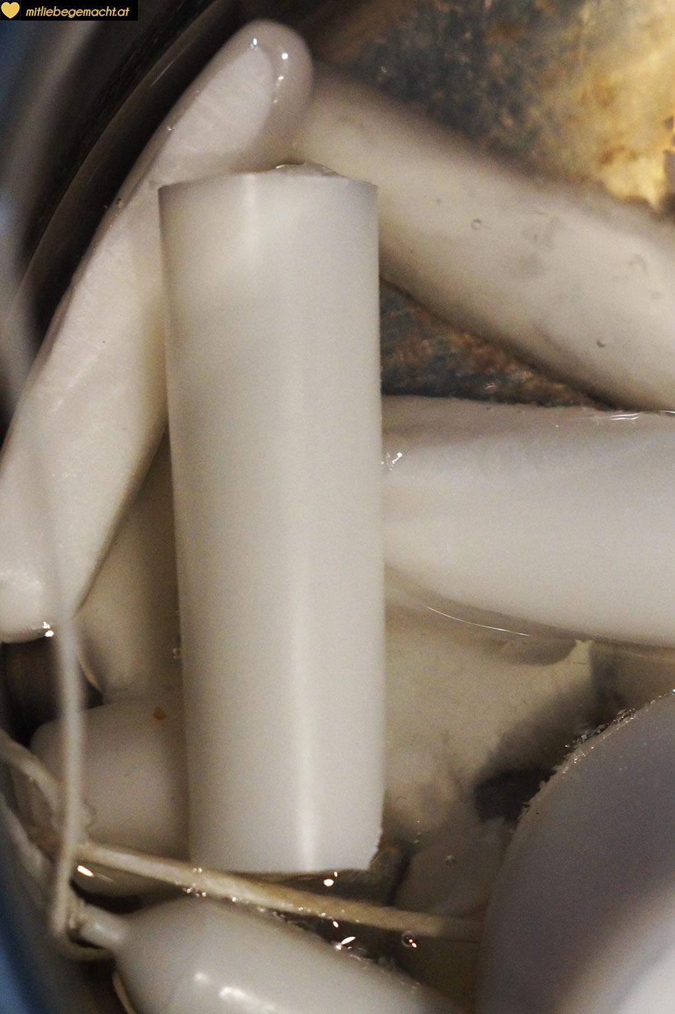 Kerzenreste verwerten und im Wasserbad schmelzen