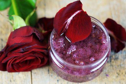 Rosenpeeling für den Valentinstag selber machen