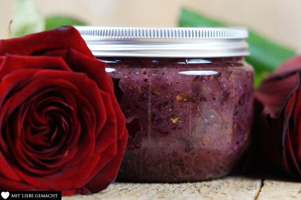 das Rosenpeeling ist auch ein schönes Geschenk! Naturkosmetik selber machen