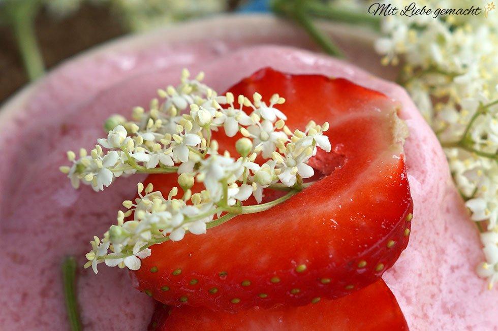 meine Sommer-Kombi: Erdbeeren und Holunder