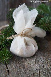 Baumharz im Baumwolltuch