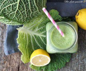 Grüner Smoothie mit Wirsing und Banane