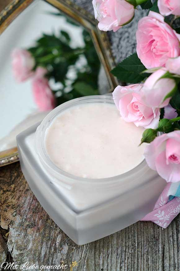 Blütengrüße für unsere Haut