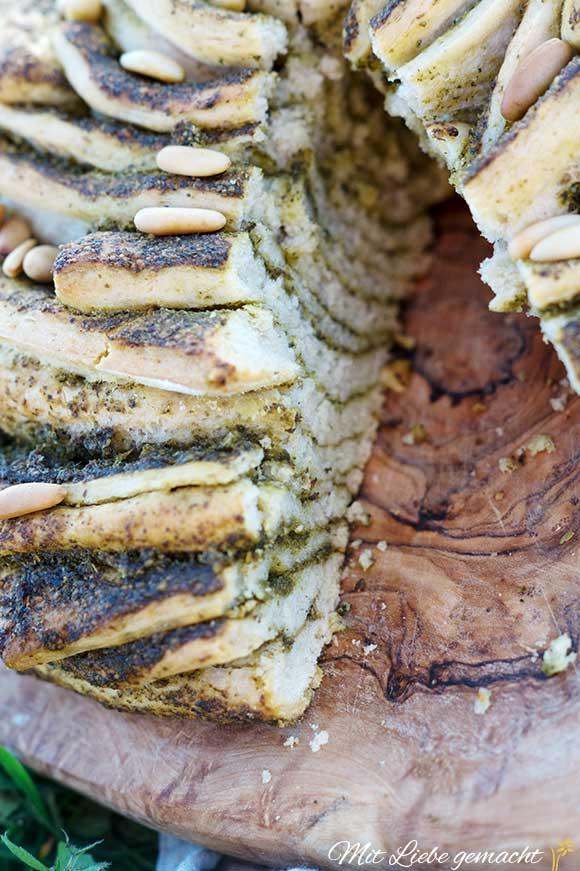 Brennnesseln und Bärlauch liefern einen tollen Geschmack