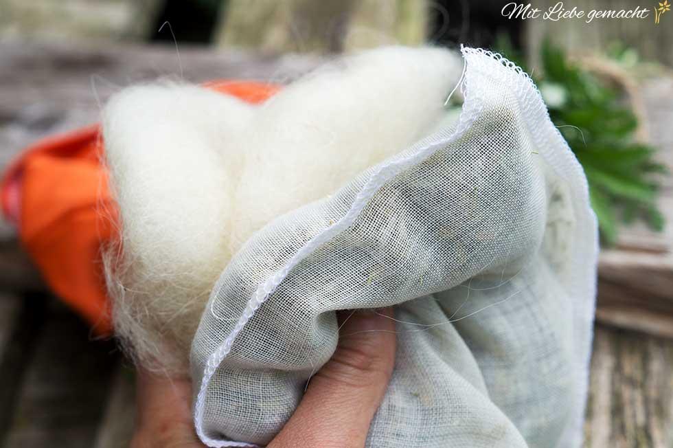 Bauchkissen mit vielen Kräutern und Schafwolle
