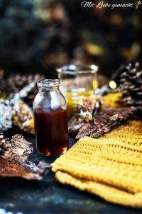 tiefrotes Johanniskrautöl