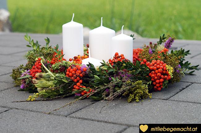 Kranz mit Kerzen