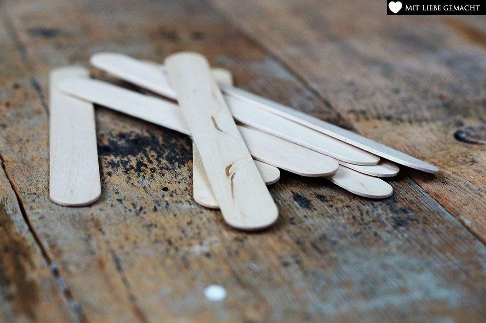 Holzstäben für Kräuterschilder