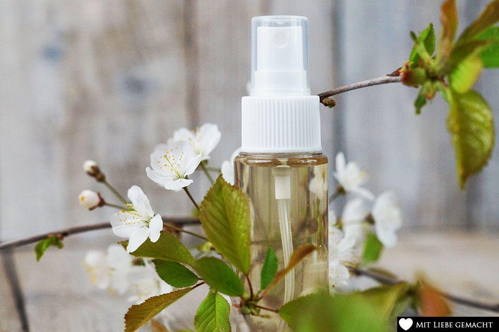 natürliches Deo mit Kirschblüten