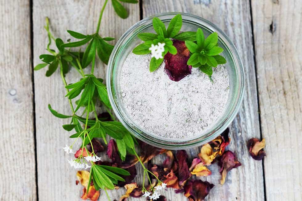 Waldmeister-Rosenblüten Zucker