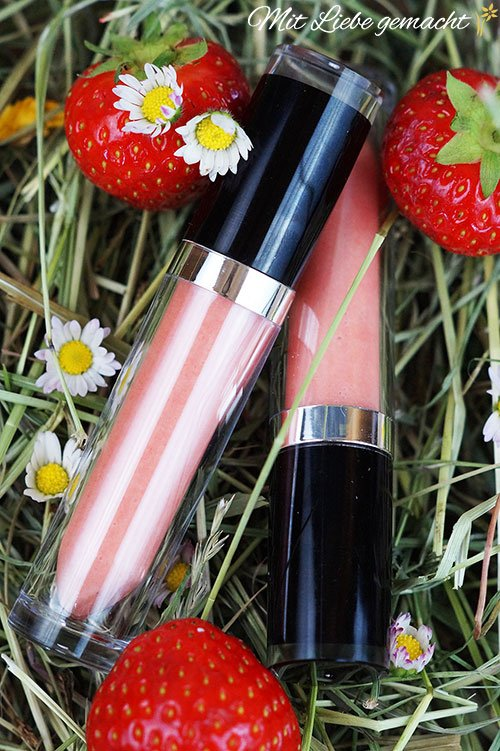 feine Kosmetik aus Erdbeeren: zB ein pflegender Lipgloss