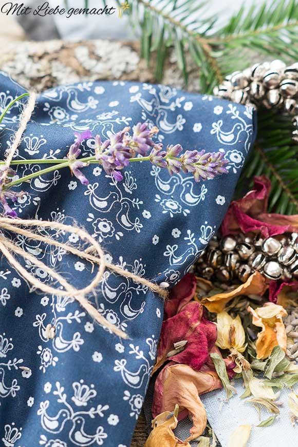 duftende Kräuterkissen für entspannte Weihnachten