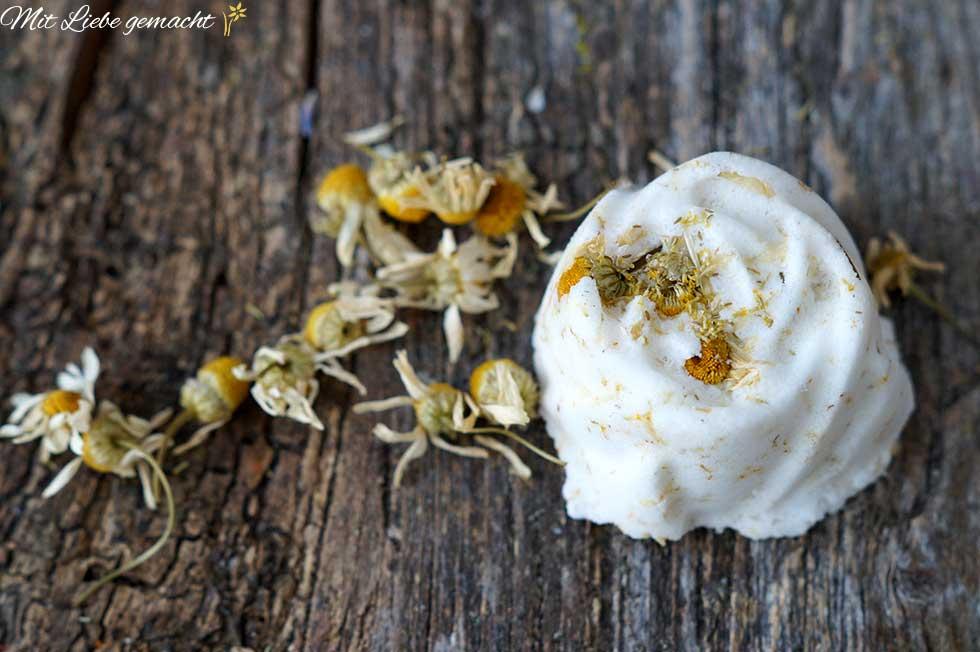 Kamille und ätherische Öle für reine Haut