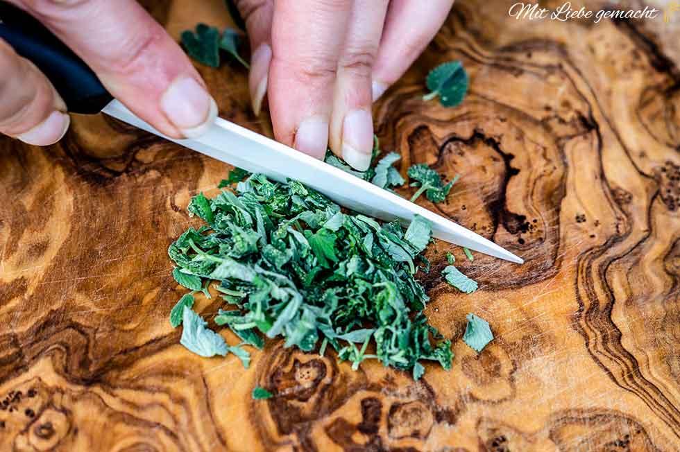 Pflanzenmaterial gut zerkleinern