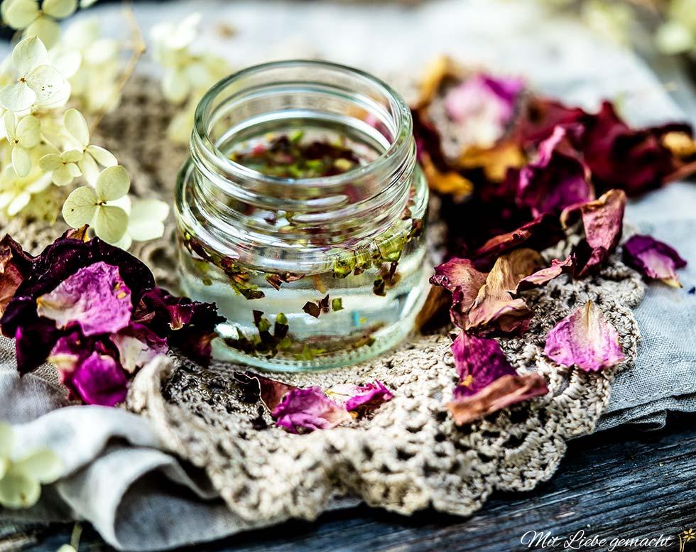 Gemmomazerat Wildrose - gut bei Erkältungskrankheiten und für HNO