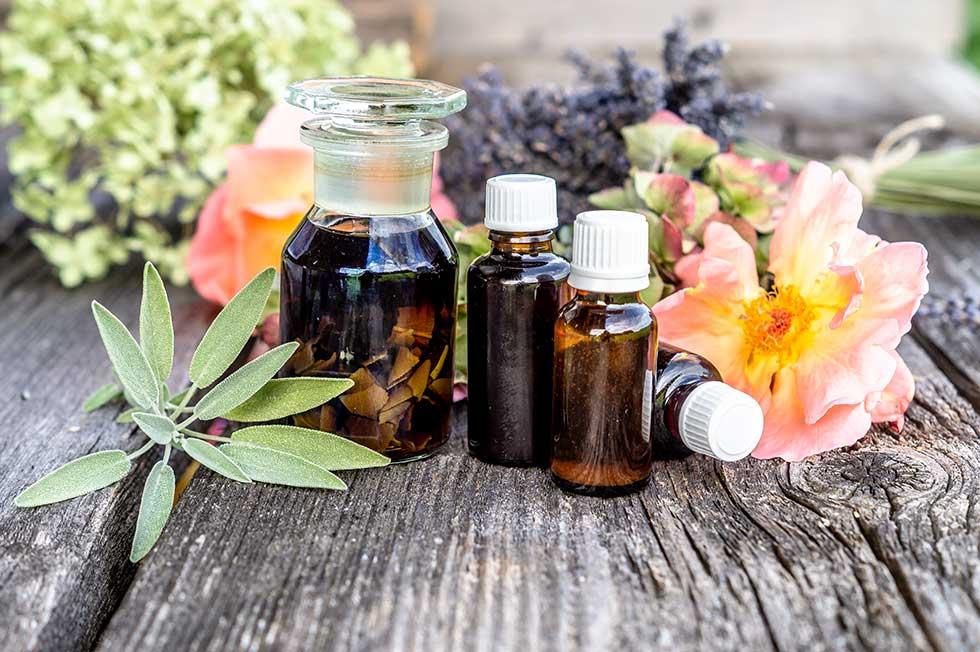 Pflanzen Tinkturen & ätherische Öle