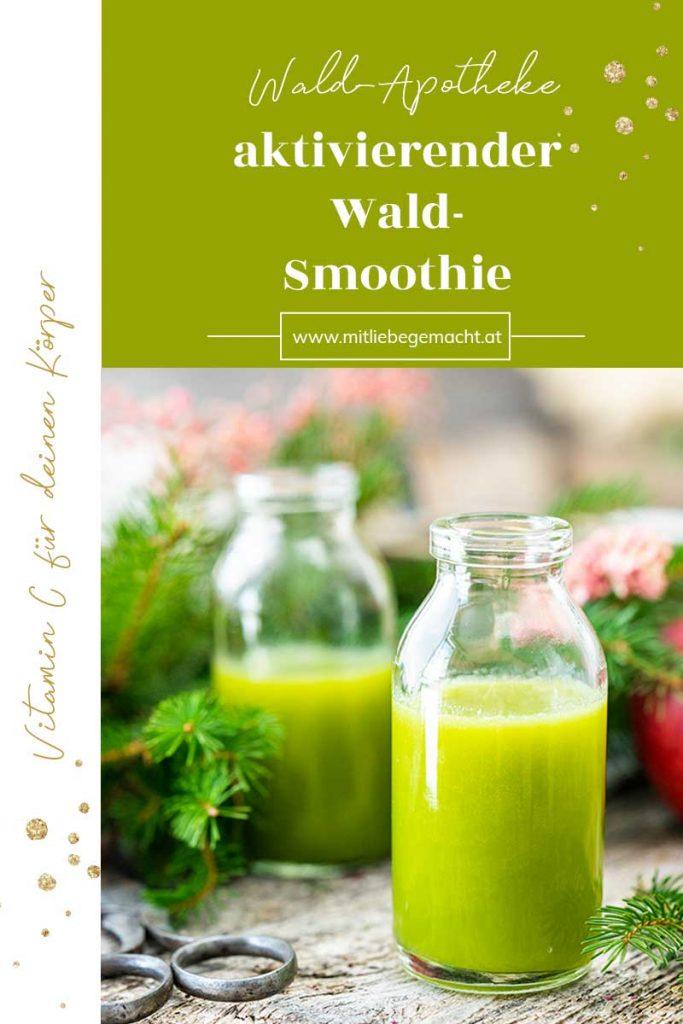 Glas mit Smoothie, Zweige, grüner Hintergrund