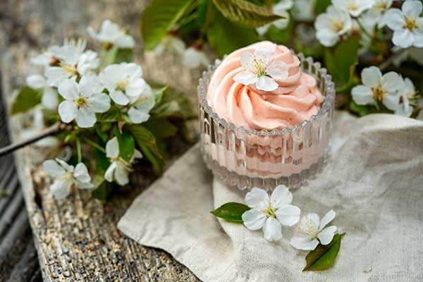 Naturkosmetik aus Blüten Bodybutter