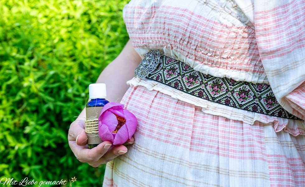 Dehnungsstreifen vorbeugen mit Schwangerschaftsöl
